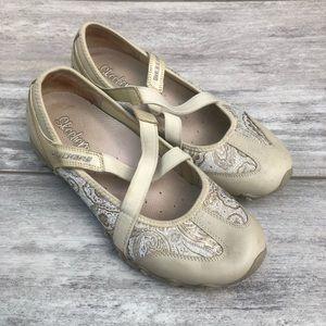 SKECHERS cream floral slip on loafer
